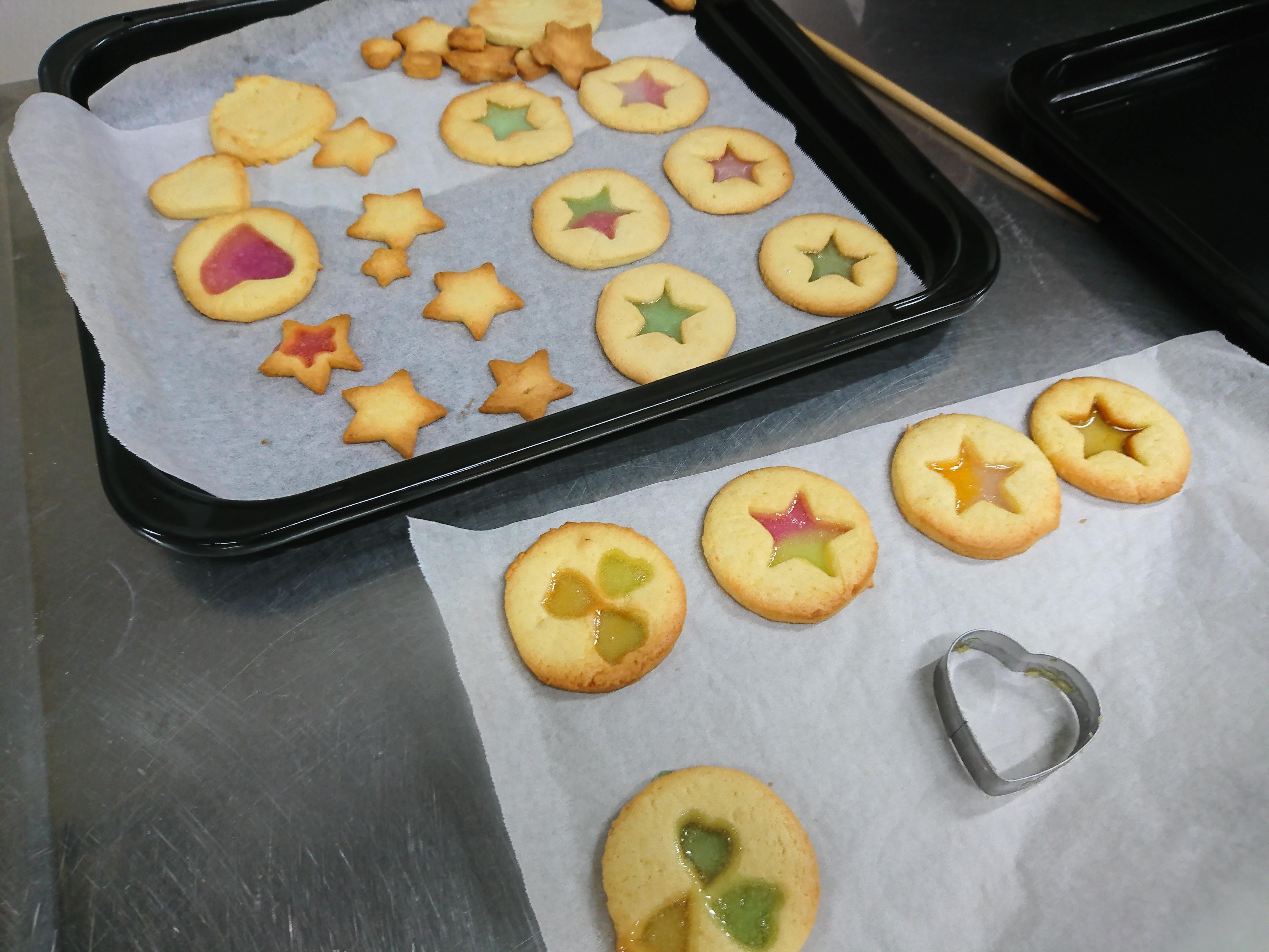 ステンドグラスクッキーを作ろう